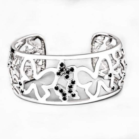 57a986952e45b046e0a338f220ac0735_emporer butterfly luxe bangle.1