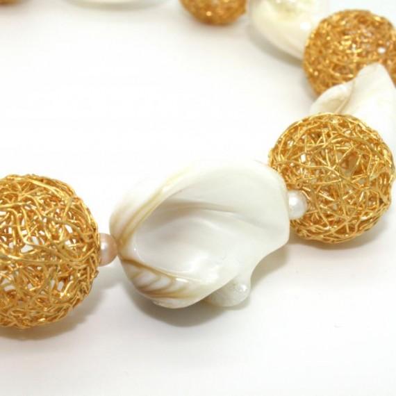 Gold-Dandelion-w-Shell-Bracelet-Detail